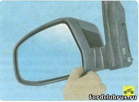 Замена лампочки бокового указателя поворота встроенного в зеркало Форд Фокус 3